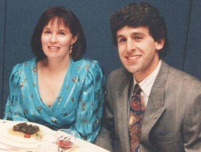 Barbara Hehner et son mari, Eric Zweig, au mariage de Greg Ioannou, membre de Réviseurs Canada, le 24 octobre 1992.